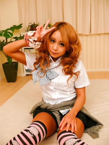 Yuno Shirasu - Yuno Shirasu naughty Asian teen gets shaved pussy licked - Picture 4