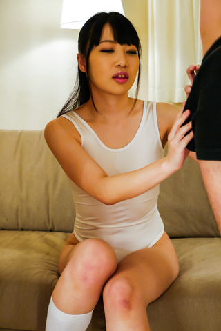 Yui Ayase - Yui Ayase provides Asian blowjob in dirty threesome - Picture 1