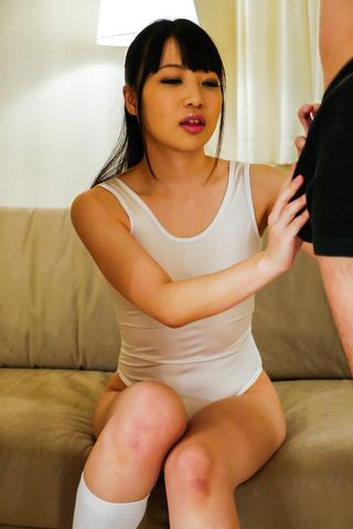 綾瀬ゆい - 美少女綾瀬ゆい~顔面発射&ごっくん! - Picture 1