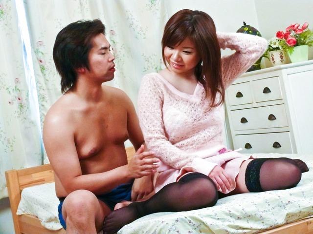 Aoi Mizumori - 性爱马拉松为葵水森在角质的家伙手 - 图片 1