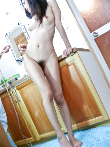 Yui Komine − Yui Komine is fucked with two fingers − Picture 12
