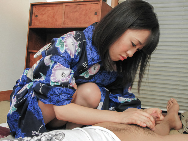 Yui Kyouno - Kinky Yui Kyouno enjoying full asian blowjob - Picture 11