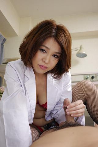 西野エリカ - 生ハメ淫乱爆乳ペニバン女医~西野エリカ - Picture 7