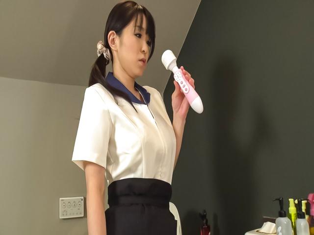 里中結衣 - 爆乳セクシー熟女~昇天オナニー - Picture 5