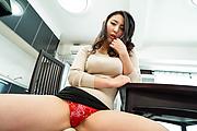 Yuri Honma - 爆乳セクシー熟女~誘惑中出し姦 - Picture 2