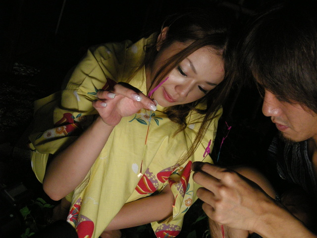 Sakura Hirota - Kimono clad Sakura Hirota lures a friend in to fuck - Picture 4
