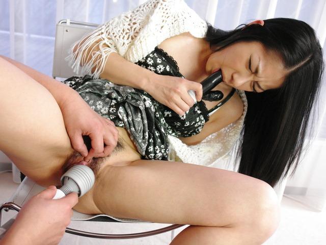 石黒京香 - 浣腸プレイで美女のプライドをズタズタに - Picture 11