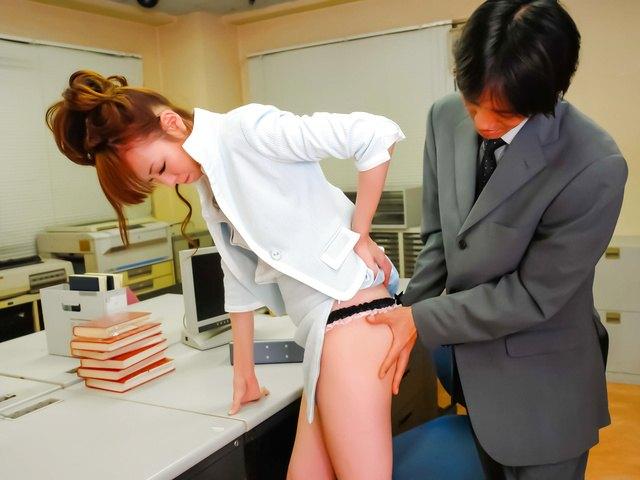 Misato Sakurai - Hot Misato Sakurai has pussy exposed at doc - Picture 4