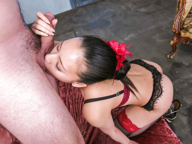 Ren Azumi - 在凸轮上给予温暖的日本口交的性饥渴仁淳 - 图片 4