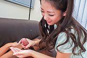 Satomi Suzuki - 铃木聪美给了他亚洲口交和乳头他妈的 - 图片 10