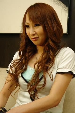 Anna Mizukawa - Flexible Japanese Gymnast Anna Mizukawa Ass Penetrated - Picture 1