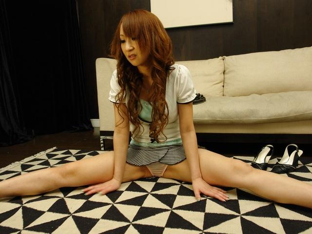 Anna Mizukawa - Flexible Japanese Gymnast Anna Mizukawa Ass Penetrated - Picture 2