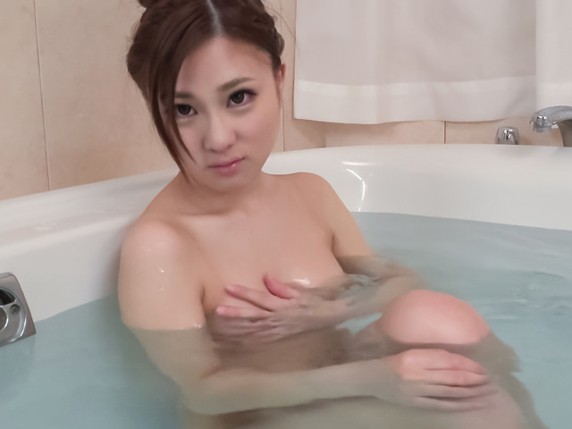 Maki Horiguchi - Maki Horiguchi 使用亚洲振子在独奏的场景 - 图片 5