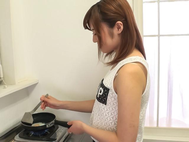 Yumi Maeda - 在 POV 色情的Yumi 前田亚洲业余视频 - 图片 6