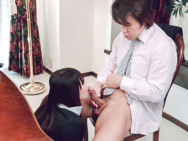 広瀬奈々美, - 社長秘書のお仕事紹介~お掃除フェラ編~ - Picture 1
