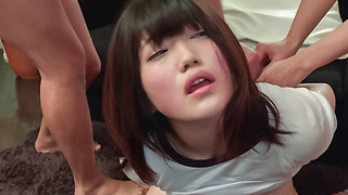 听话的日本少年脸上获取亚洲射精
