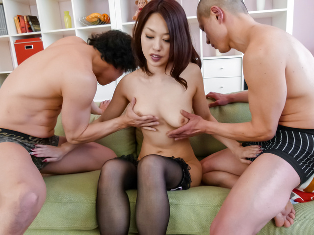 An Yabuki - An Yabuki dishes out japanese blow jobs and her pussy in a threesome - Picture 2