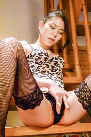 Kei Akanishi - Kei Akanishi in hot lingerie gives an asian blow job - Picture 6