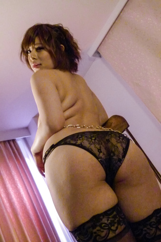 Ririsu Ayaka - Ririsu Ayaka gives a japanese blowjob to two guys while in stockings - Picture 2