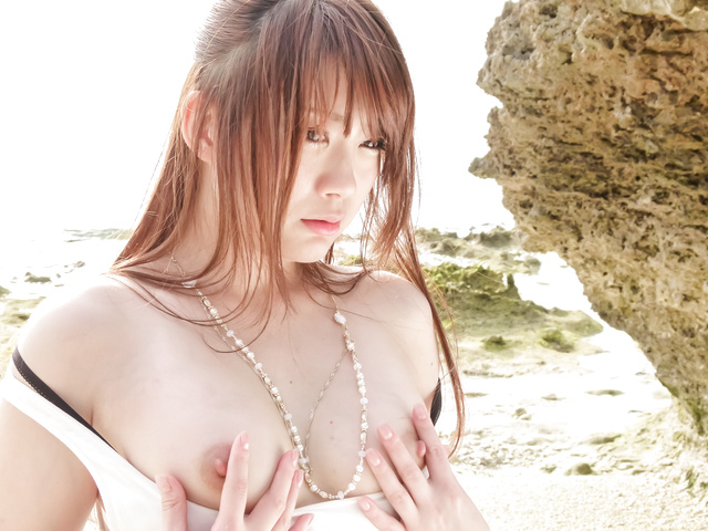 Mayuka Akimoto - 马尤卡 Akimoto cums 硬从亚洲残酷假阳具他妈的 - 图片 3