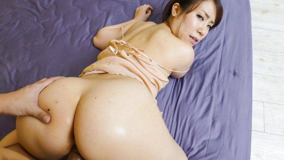 Phim Sex Curvy Sakura Ooba rides cock after a japanese blowjob