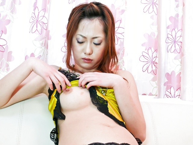 Arisa Suzuhusa - Arisa Suzuhusa solo girl action with sex toys - Picture 6