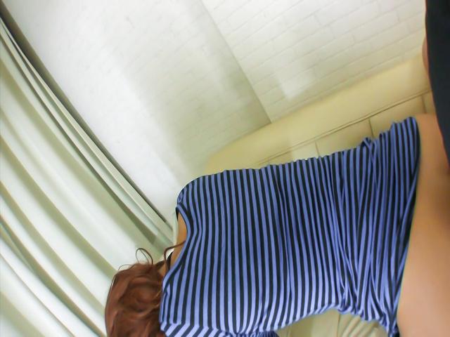 Ayumi Sakurai - 樱井亚弓骑他的公鸡后日本口交 - 图片 5