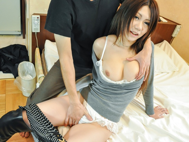 Miyu Ninomiya - Miyu Ninomiya gives an asian blow job and gets creampied - Picture 2