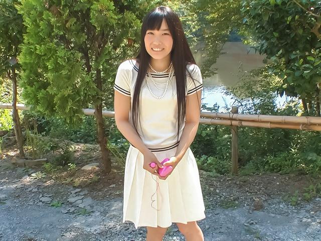 Yui Kasugano - Yui Kasugano Japanese street sexy posing - Picture 2