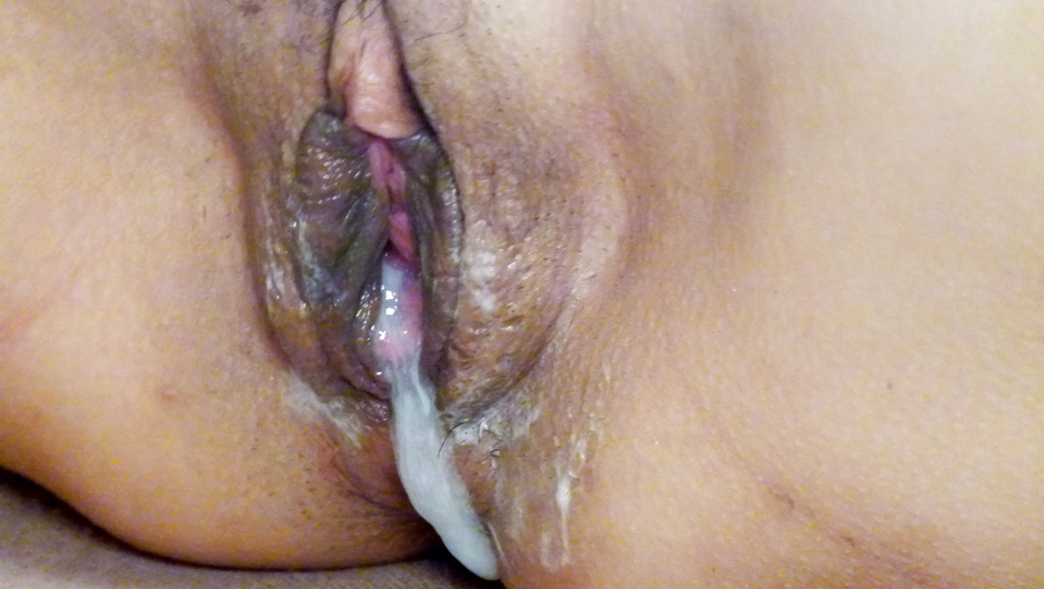 Phim Sex Busty milf fucked by two guys and made to swallow