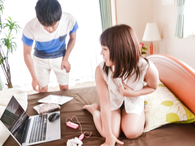 Yui Sakura - Yui 樱花提供日本口交性行为前 - 图片 11