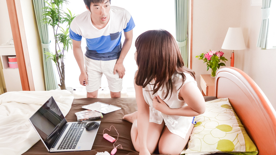 Yui 樱花提供日本口交性行为前