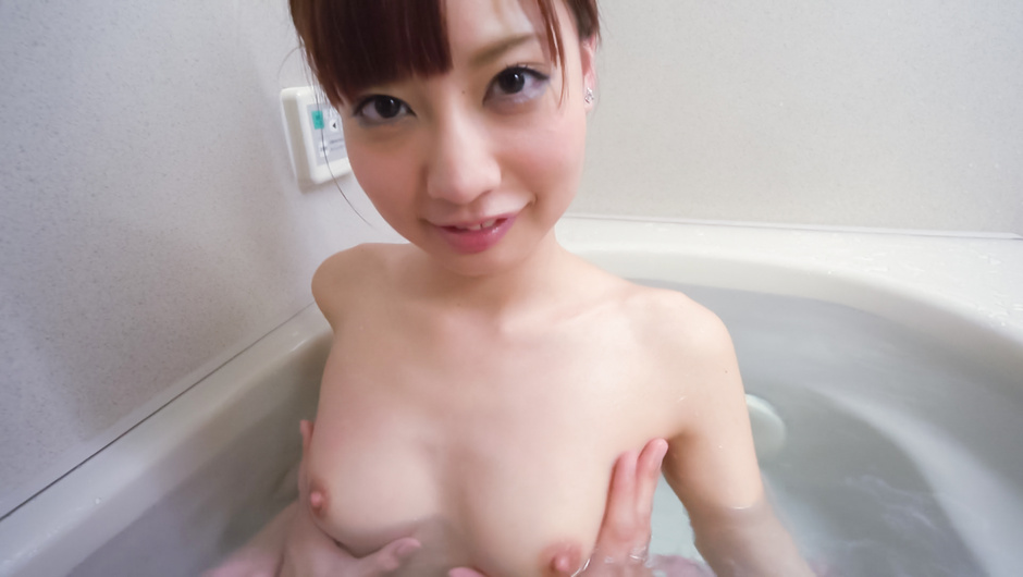 Phim Sex Amateur beauty superb Asian blow job in the tub