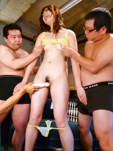 Mami Yuuki - Sexy Mami Yuuki is fingered in hairy cooter - Picture 9