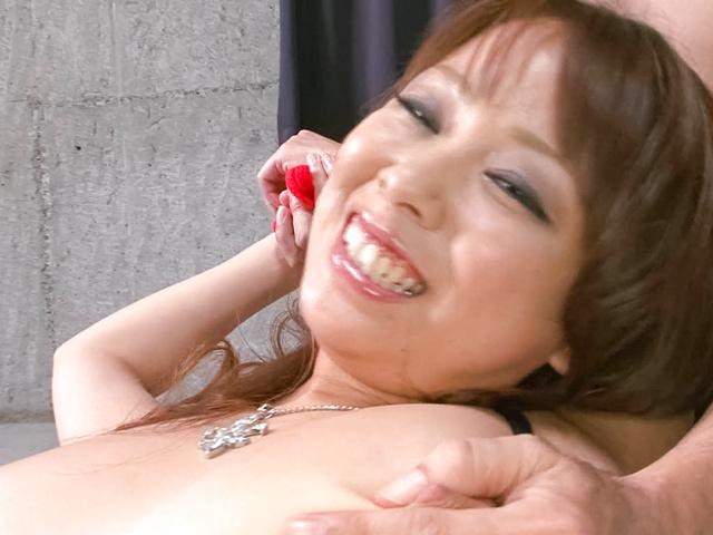 Asuka - 阿苏卡获取狗他妈的同时给出了口交 - 图片 10