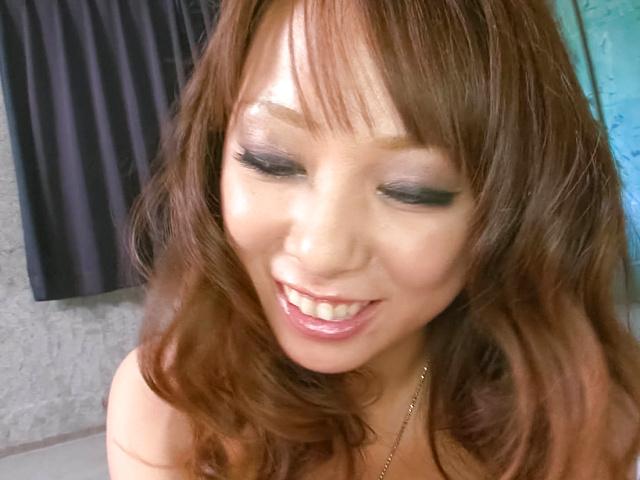 Asuka - 阿苏卡获取狗他妈的同时给出了口交 - 图片 7