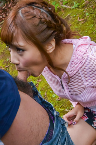 Anna Anjo - SexyAnna Anjo gives Japanese blowjob in outdoor - Picture 1