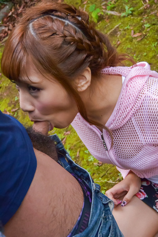 Anna Anjo - SexyAnna Anjo gives Japanese blowjob in outdoor - Picture 3