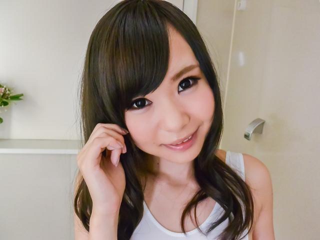Mayu Kawai - 马玉川获取期间淘气玩刮弄她的阴部 - 图片 2