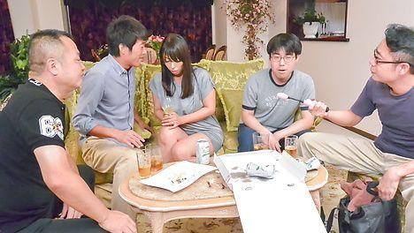Kinky Ryoko Murakami gives an asian blowjob and fucked in a group