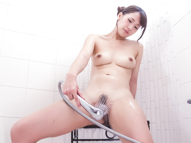 Yui Oba - Amateur Asian plays with her pussy in the tub - Picture 11