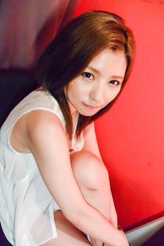 Saya Fujiwara - 小夜藤原惊讶与她光滑的公鸡吸吮 - 图片 1