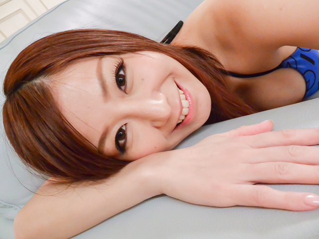 Chihiro Akino - Asian girl gives blowjob on two stiff dick - Picture 2