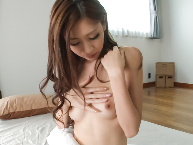 Kaori Maeda - Asian amateur babe plays with pussy in sexy solo  - Picture 1