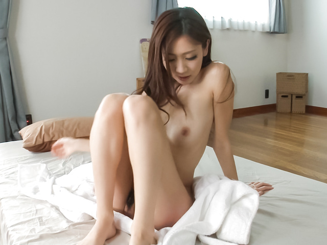 Kaori Maeda - Asian amateur babe plays with pussy in sexy solo  - Picture 3