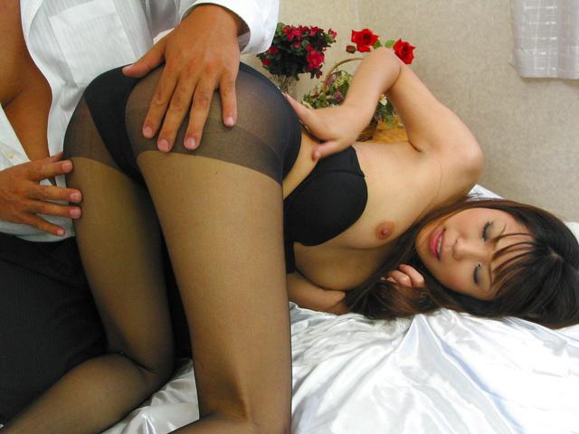 Saya Natsukawa - 小夜夏川抓住每一个机会,好的性生活 - 图片 4