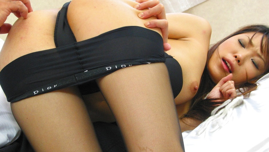 Saya Natsukawa grabs every opportunity for a good sex