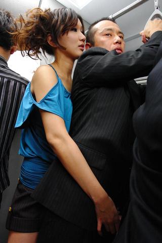 Asami Yoshikawa - 一只公鸡去角质护士杨思敏吉川 - 图片 1