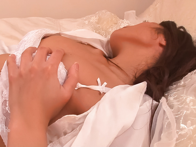 Aoi Miyama - Asian amateur plays with her pussy in sensual solo - Picture 2