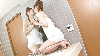 Hottie Nana Kinoshita has a nice solo time in bathroom